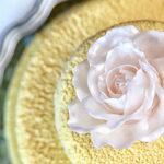 Svatební dort - kakaové máslo, karamelová růže